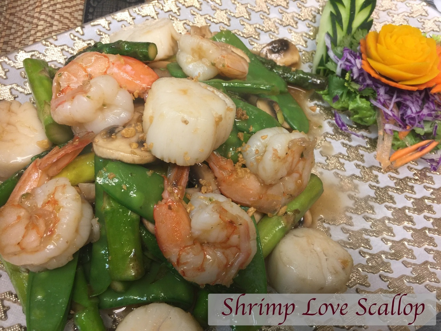 Shrimp love scallop