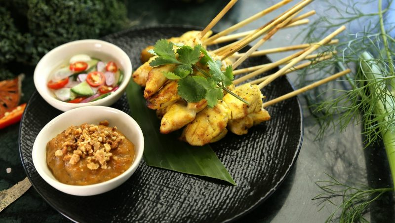 satay-chicken-3604856_1920